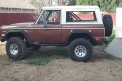 eric-s-early-bronco-white-knuckle-off-road-rock-sliders