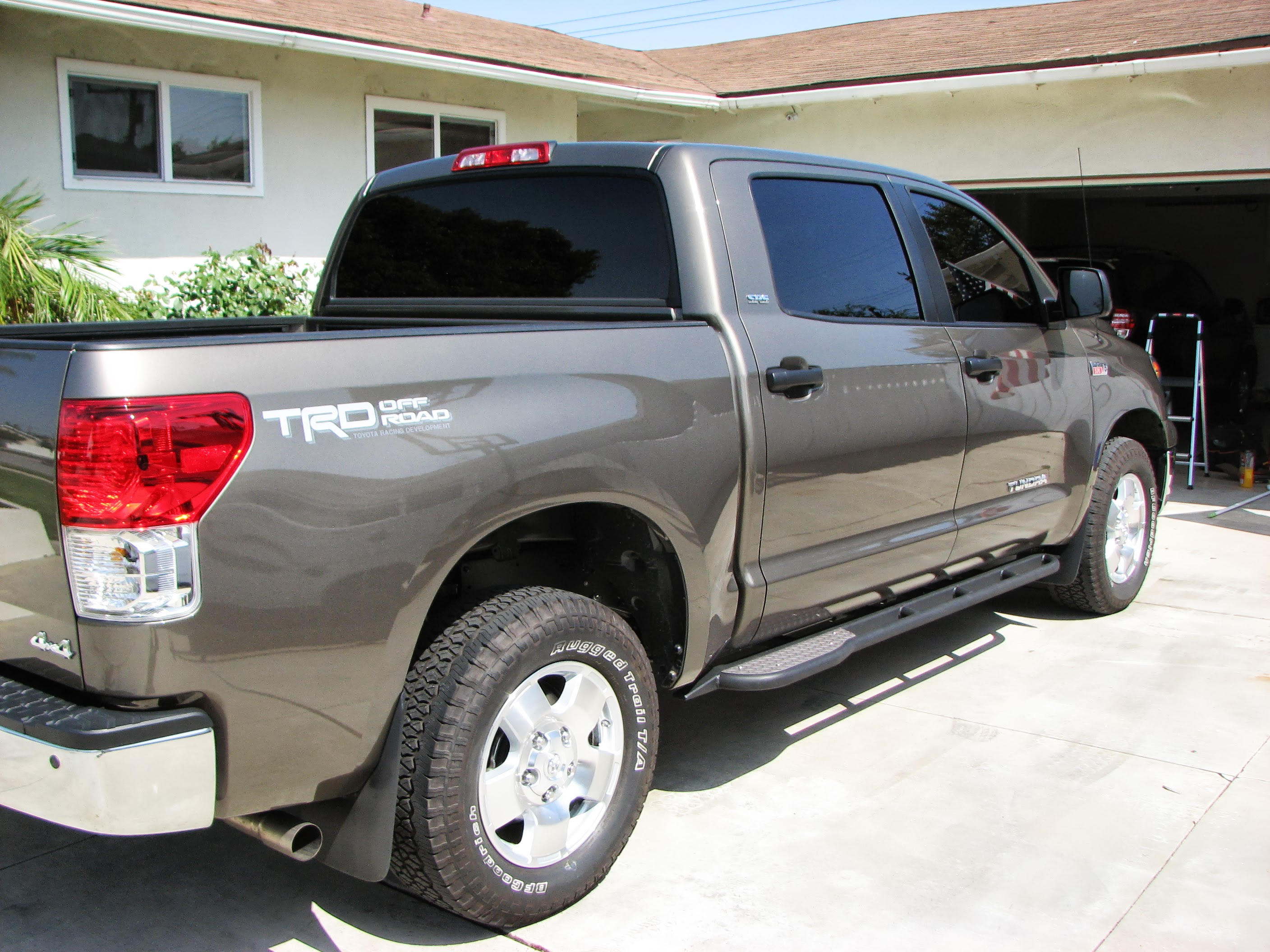 2nd-gen-tundra-crewmax-rock-sliders-white-knuckle-off-road-11