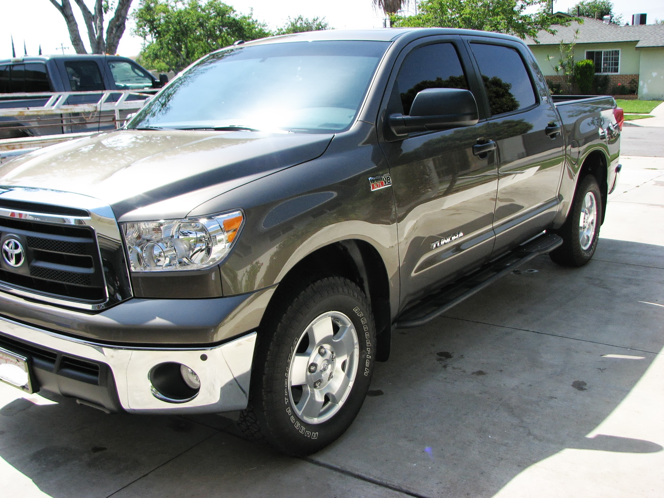 2nd-gen-tundra-crewmax-rock-sliders-white-knuckle-off-road-5