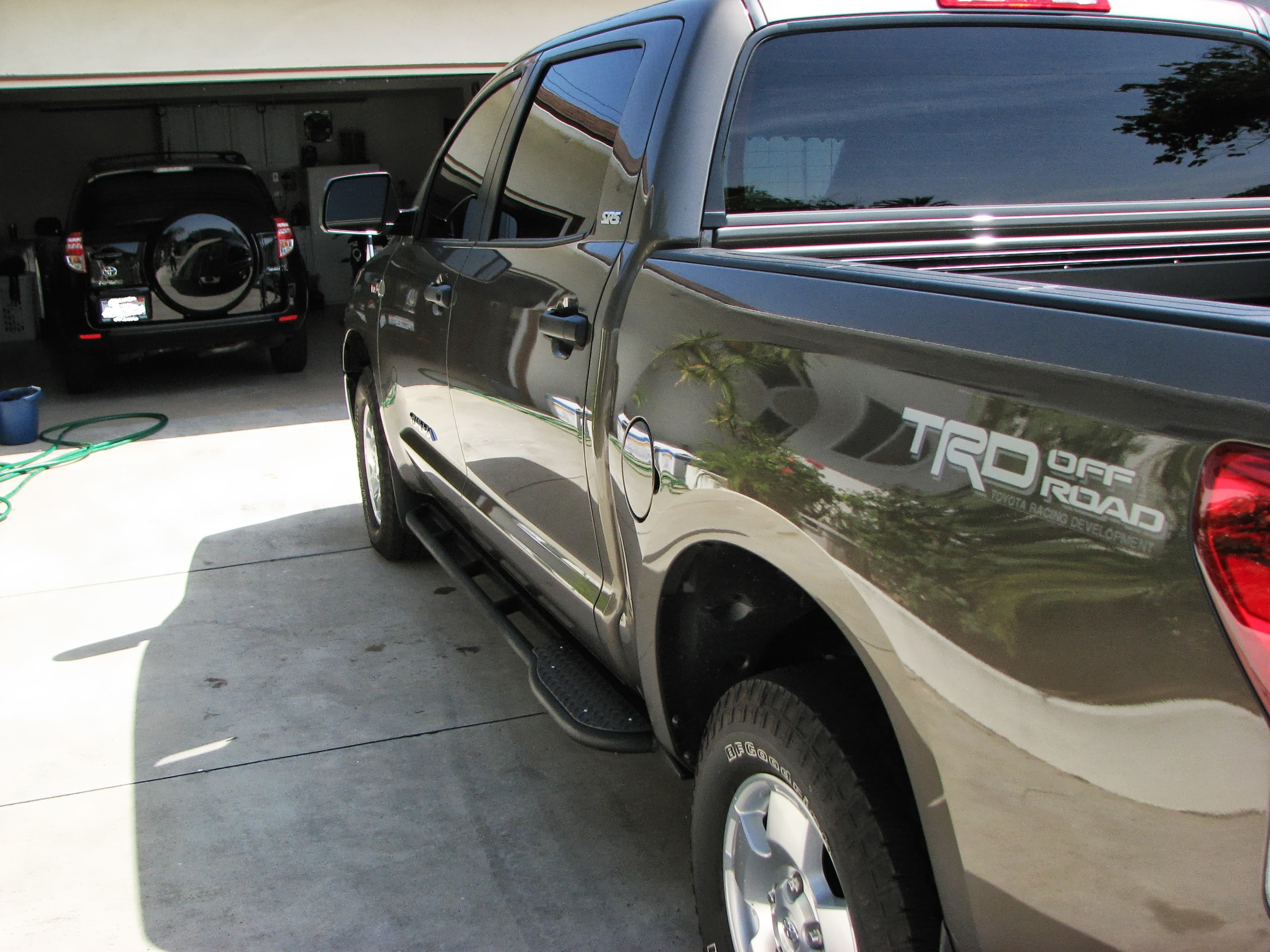 2nd-gen-tundra-crewmax-rock-sliders-white-knuckle-off-road-8