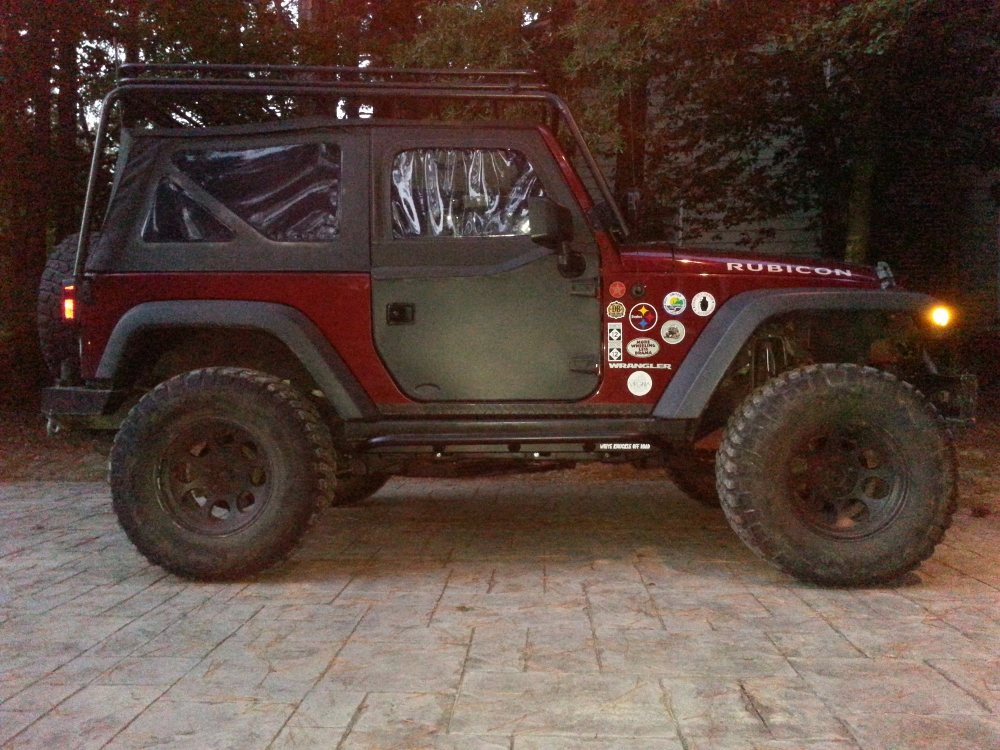 jeep-jk-unlimited-rock-sliders-white-knuckle-off-road-2