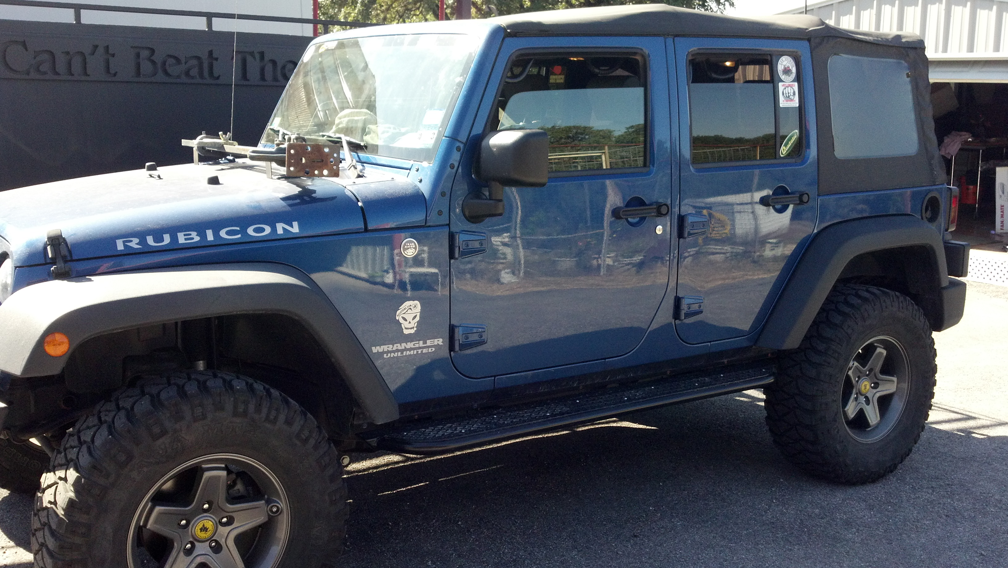 ken-s-jk-with-diamond-top-plate-straight-away-white-knuckle-off-road-1