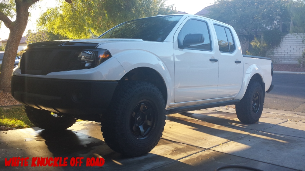 nissan-frontier-rock-sliders-white-knuckle-off-road-1