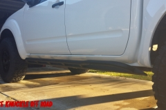 nissan-frontier-rock-sliders-white-knuckle-off-road-3