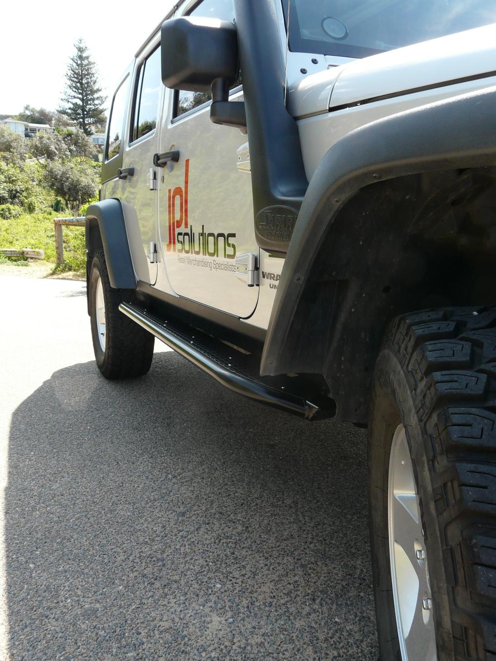 jeep-jk-unlimited-4-door-rock-sliders-white-knuckle-off-road-1