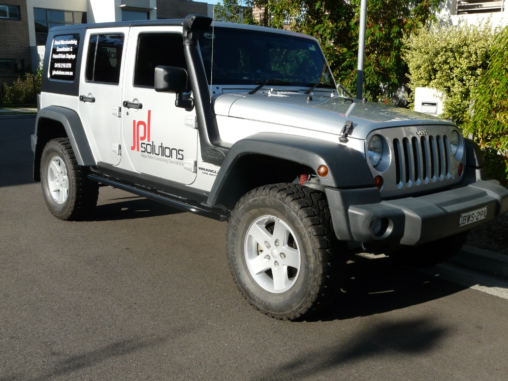 jeep-jk-unlimited-4-door-rock-sliders-white-knuckle-off-road-10