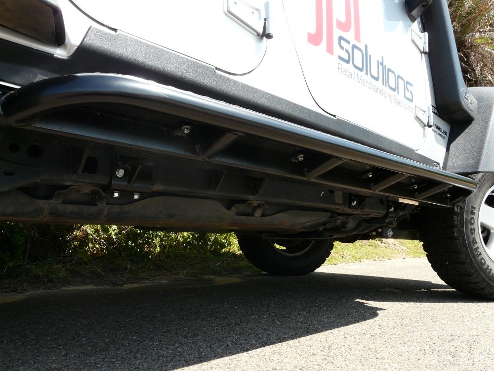jeep-jk-unlimited-4-door-rock-sliders-white-knuckle-off-road-3