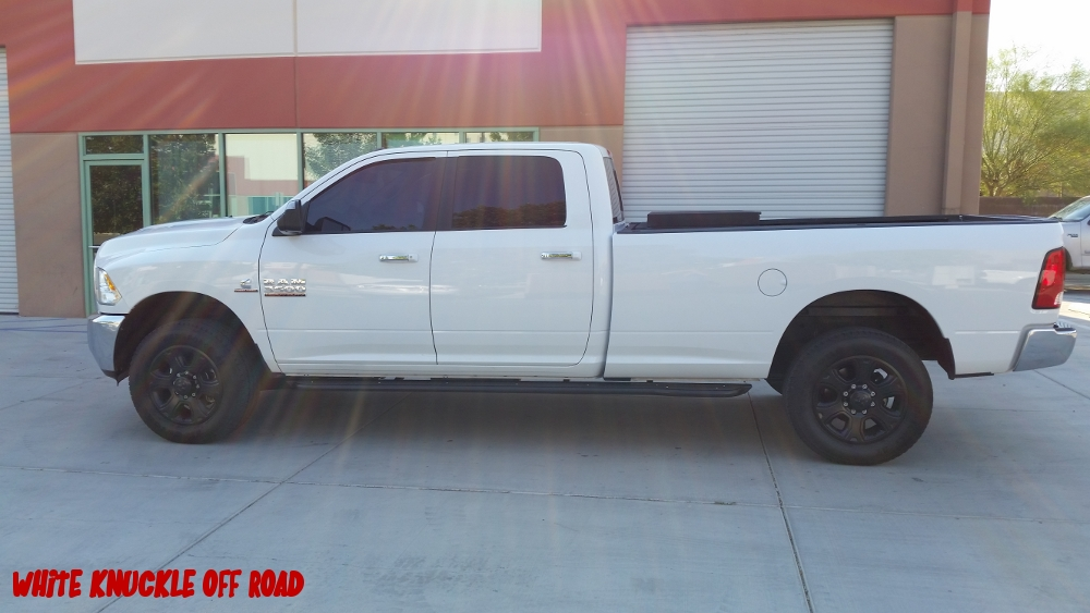 ram-2014-2017-3500-long-bed-white-knuckle-off-road-3