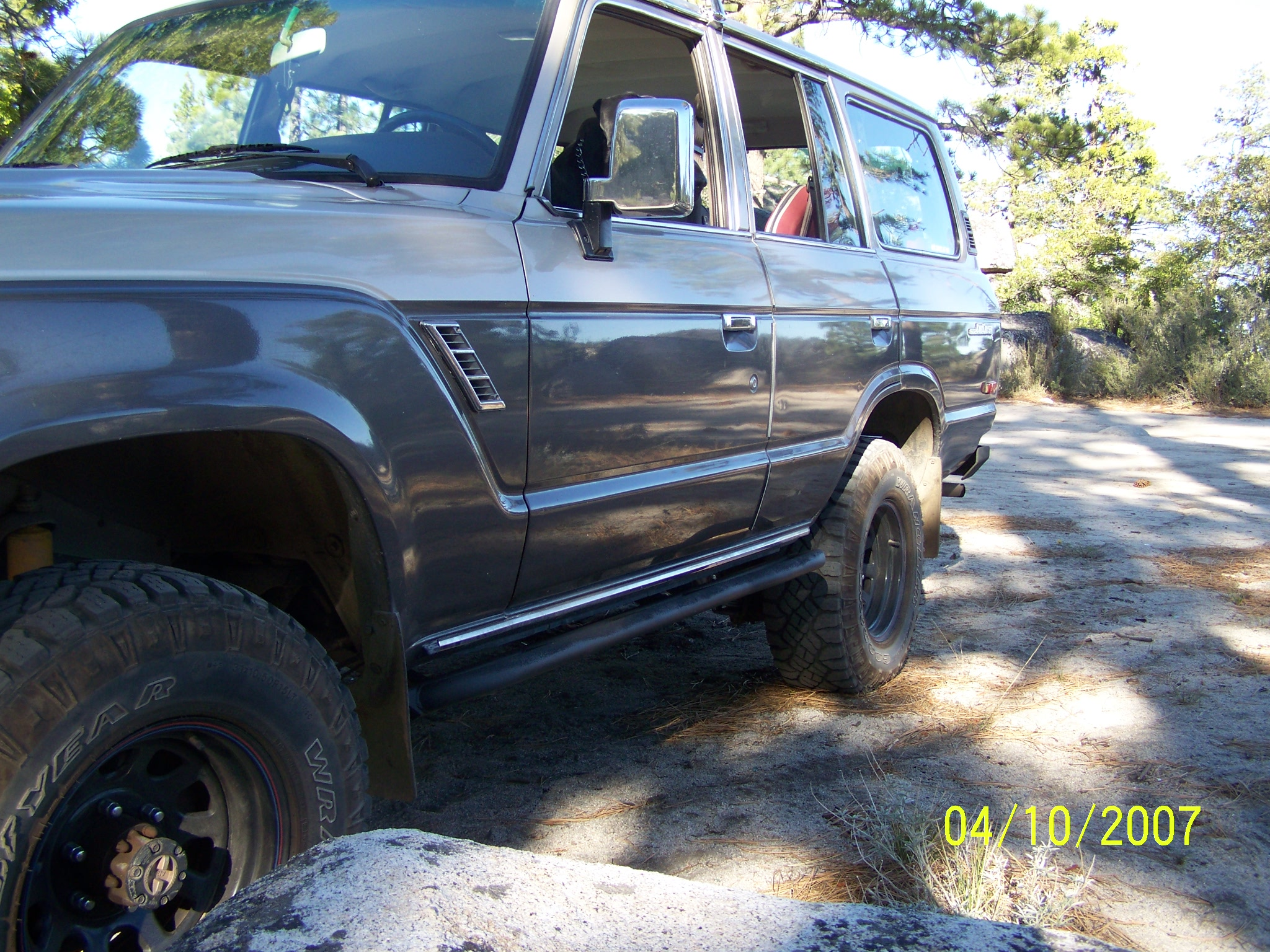 toyota-fj62-land-cruiser-rock-sliders-white-knuckle-off-road-2
