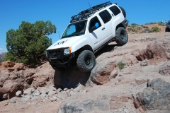 2nd-gen-xterra-rock-sliders-white-knuckle-off-road-2