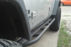 jeep-jk-unlimited-rock-sliders-white-knuckle-off-road