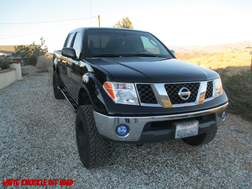 nissan-frontier-2005-long-bed-rock-sliders-white-knuckle-off-road-9
