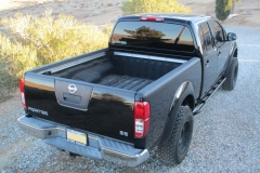 nissan-frontier-2005-long-bed-rock-sliders-white-knuckle-off-road-8