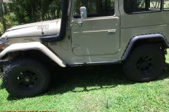 fj40-land-cruiser-rock-sliders-white-knuckle-off-road-1