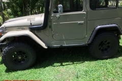fj40-land-cruiser-rock-sliders-white-knuckle-off-road-2
